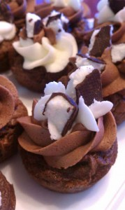 Thin Mint Brownie Cups