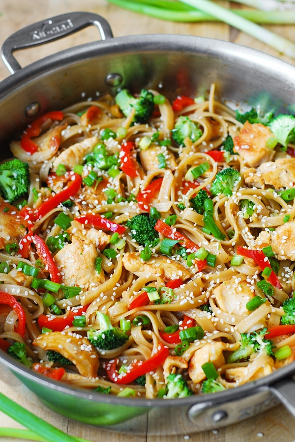 Asian Sesame Chicken and Noodles | BHG Delish Dish
